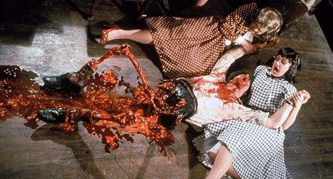 Живая мертвечина, страшные фильмы.