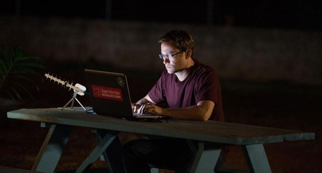 Сноуден, биографический фильм