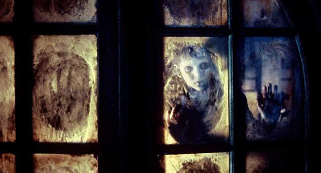 Хребет дьявола - Страшные фильмы про призраков