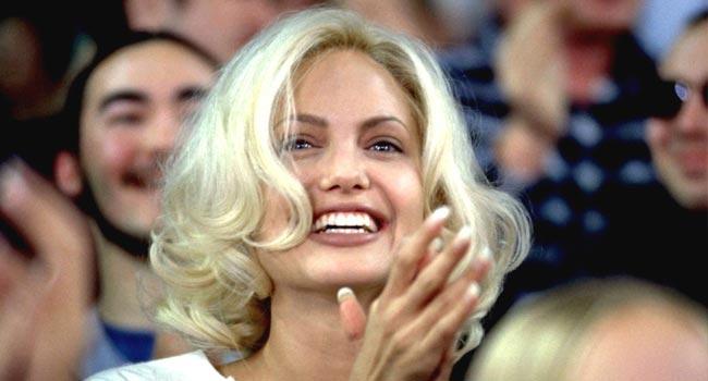 Жизнь, или Что-то вроде того - Фильм, где Анджелина Джоли - блондинка